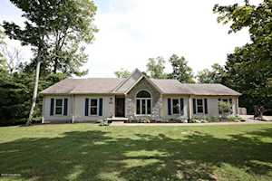 4729 Grand Dell Dr Crestwood, KY 40014