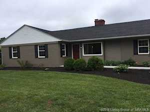 1610 Crestview Drive New Albany, IN 47150