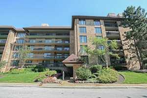 1621 Mission Hills Rd #508 Northbrook, IL 60062