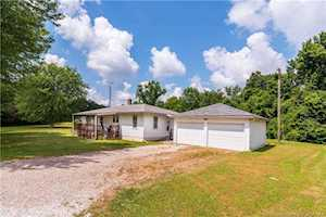314 E State Rd 64 English, IN 47118