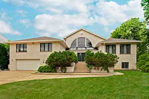 4064 Sunset Ln Northbrook, IL 60062