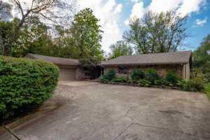 2 Tanglewood Drive Lexington, KY 40505