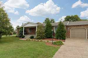 161 Columbia Ln Shepherdsville, KY 40165