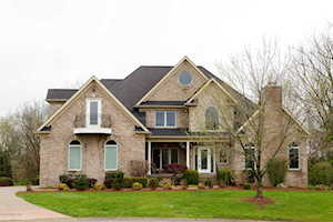 2202 Polo Mount Ct Louisville, KY 40245