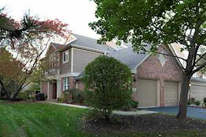 8 Gloucester Ct #8 Lincolnshire, IL 60069
