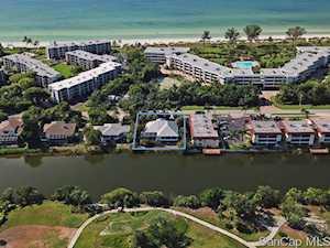 1564 Middle Gulf Dr Sanibel, FL 33957
