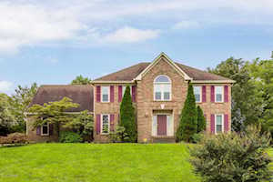 6902 Chartwell Ct Louisville, KY 40241