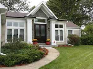 9 Knight Hill Ct Buffalo Grove, IL 60089