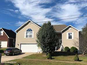 219 Meadowlake Dr Radcliff, KY 40160