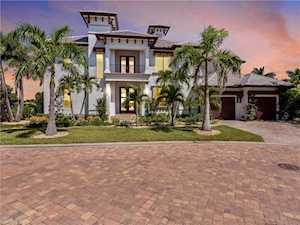 14221 Bay Dr Fort Myers, FL 33919