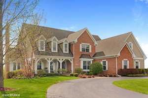 104 Governors Way Hawthorn Woods, IL 60047