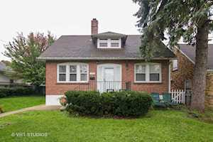 237 Prairie Ave Highwood, IL 60040