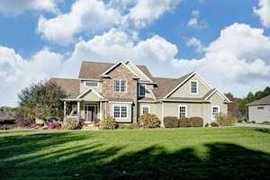 1652 Hawthorne Court Winona Lake, IN 46590