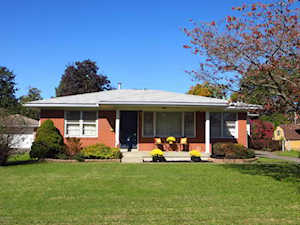 9308 Hacienda Dr Louisville, KY 40272