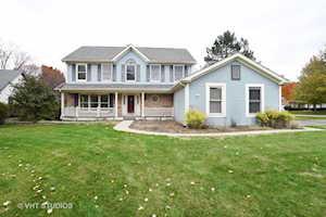 14 White Barn Rd Vernon Hills, IL 60061