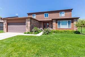105 Poplar Ct Northbrook, IL 60062