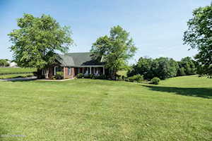 27 Indian Springs Trace Shelbyville, KY 40065