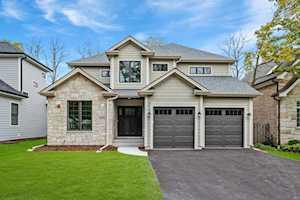 23369 N Wildwood Ln Deerfield, IL 60015