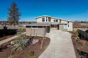 61086 Echo Lake Court Bend, OR 97702