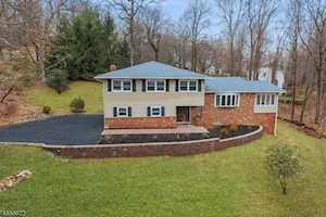 26 Manor Ln Parsippany-Troy Hills Twp., NJ 07950