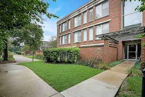 391 Kelburn Rd #313 Deerfield, IL 60015