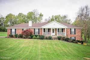 5422 Cross Creek Dr Crestwood, KY 40014