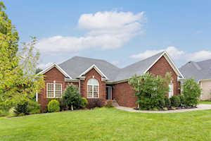 9814 Secretariat Dr Louisville, KY 40214