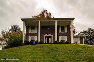 8609 Lakeridge Dr Louisville, KY 40272