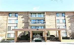 101 Lake Hinsdale Dr #113 Willowbrook, IL 60527