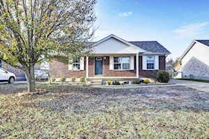 425 Tecumseh Dr Shepherdsville, KY 40165