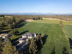 20864 Young Avenue Bend, OR 97703