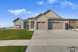 12153 S Hunters Point Dr. Nampa, ID 83686