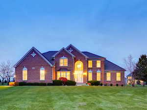 23 Crystal Downs Dr Hawthorn Woods, IL 60047