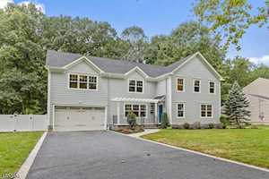 295 Chaucer Dr Berkeley Heights Twp., NJ 07922