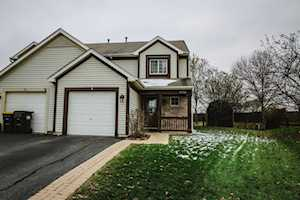 2927 Impressions Dr Lake In The Hills, IL 60156