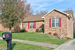 8117 Village Point Dr Louisville, KY 40291