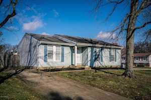 6600 Port Antonio Ct Louisville, KY 40228