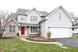 6114 Stonewall Ave Downers Grove, IL 60516