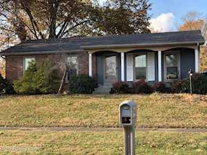 2214 Federal Hill Dr Louisville, KY 40299