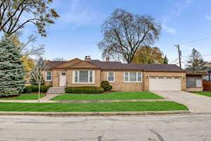 521 S Parkview Ave Elmhurst, IL 60126