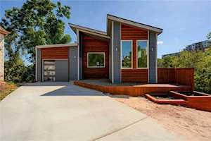 9208 Summerhill Cv Austin, TX 78759