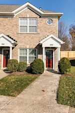 6011 Wooded Creek Dr Louisville, KY 40291