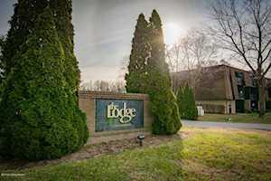 3505 Lodge Ln Louisville, KY 40218
