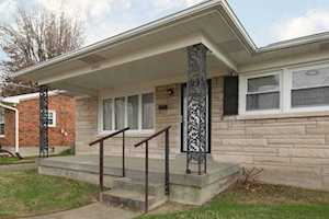 5302 Skylight Dr Louisville, KY 40258