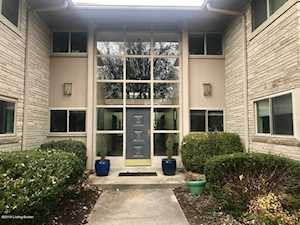 2705 Riedling Dr Louisville, KY 40206