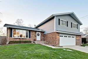 635 Ardmore Terrace Libertyville, IL 60048