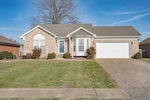 528 Spring House Ln Louisville, KY 40229