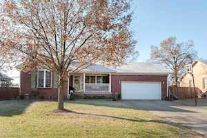 335 Shady Brook Ln Louisville, KY 40229