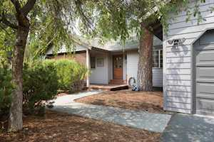 61583 Range Place Bend, OR 97702