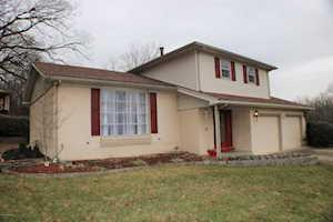 9205 Windsor Park Dr Louisville, KY 40272